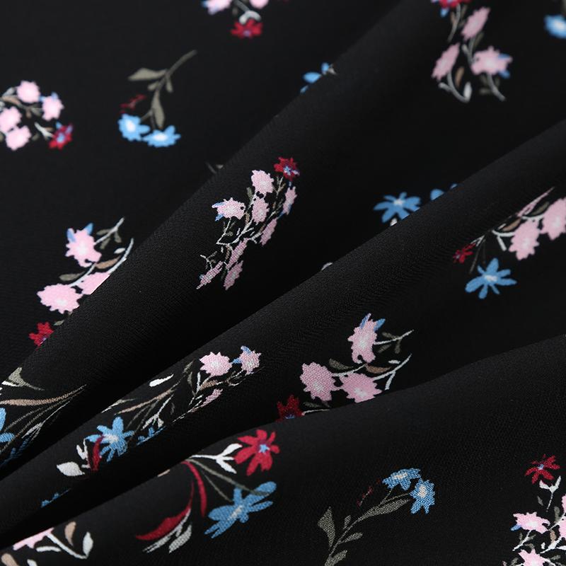 人造丝面料印花V45058-Y,丝质感鲜明,具有真丝般的色泽和质感,高级时装面料